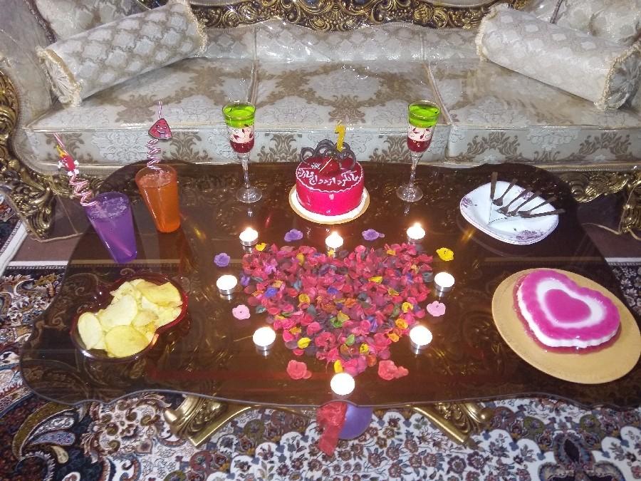 میز اولین سالگرد ازدواج